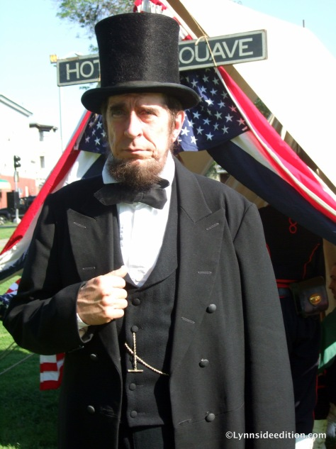 Phillip Chetwynd as Lincoln